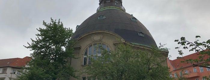 Königin-Luise-Gedächtniskirche is one of Berlin.