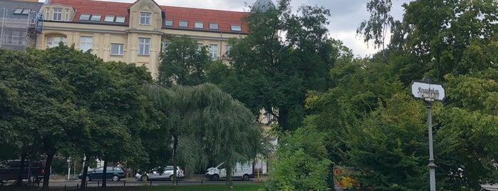 Knausplatz is one of Berlin unsorted.