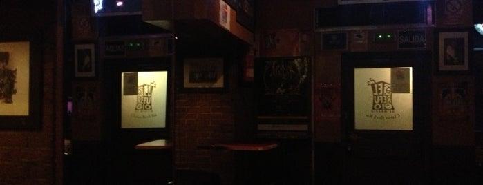 El Refugio 2 is one of metal bar.