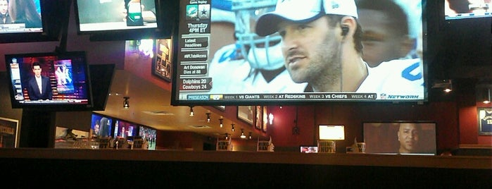 Buffalo Wild Wings is one of David A.さんのお気に入りスポット.
