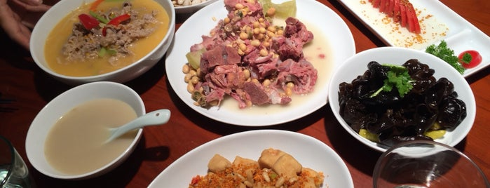 Sunshine Kitchen is one of Locais curtidos por Winnie.