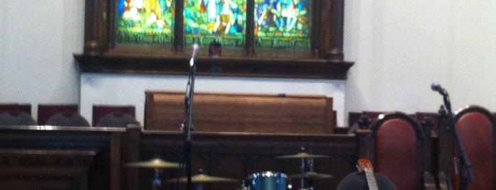 Chalmers United Church is one of Tempat yang Disimpan Geoff.