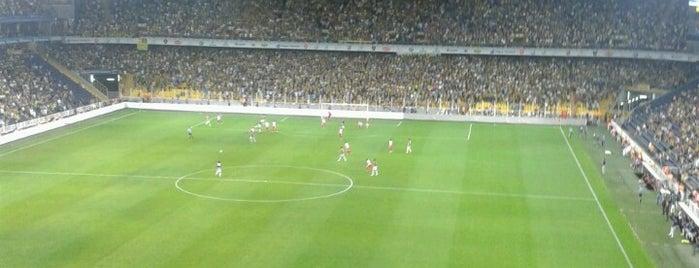 Ülker Stadyumu Fenerbahçe Şükrü Saracoğlu Spor Kompleksi is one of Murat'ın Kaydettiği Mekanlar.