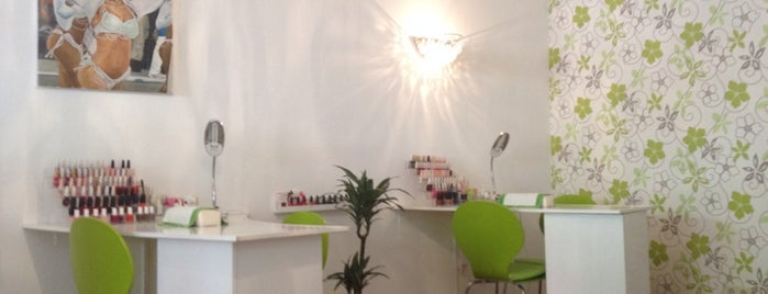 Sempre Bonita Brazilian Waxing&Nails is one of Lugares favoritos de Cristi.