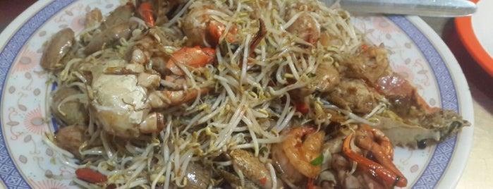 Rumah Makan Ayen is one of Jkt- Simple Art of Eating.