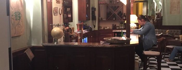Willy's Pub is one of Locais curtidos por Tolga.