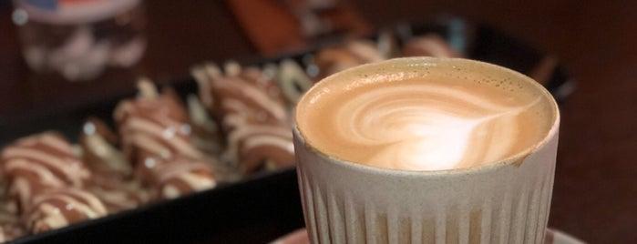 Laama Palm Coffee is one of Locais salvos de Sarah.