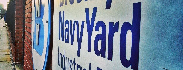 Brooklyn Navy Yard is one of Lugares favoritos de Mirinha★.