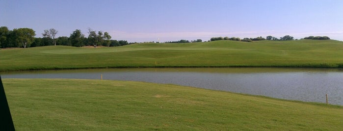 Waterchase Golf Club is one of Golf Courses.