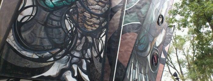 Polyforum Cultural Siqueiros is one of Galerías y Museos @ DF.