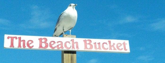 The Beach Bucket is one of Locais curtidos por Mare.