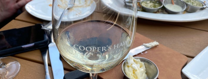 Cooper's Hawk Winery & Restaurant is one of Lugares favoritos de Mark.