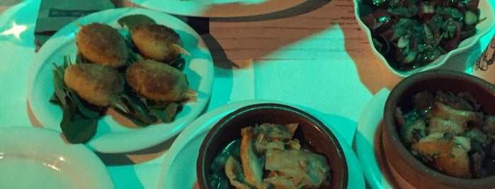 Lal Girit Mutfağı is one of Cenk 님이 좋아한 장소.