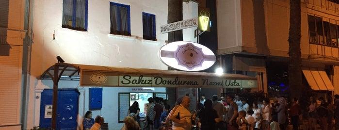 Girit Sakız Dondurmacısı Nazmi Usta is one of Posti che sono piaciuti a Cenk.