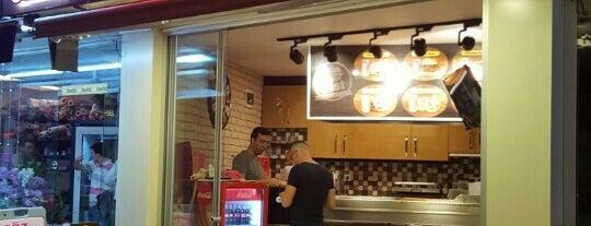 Best Sandviç & Kumru is one of สถานที่ที่บันทึกไว้ของ Emre.