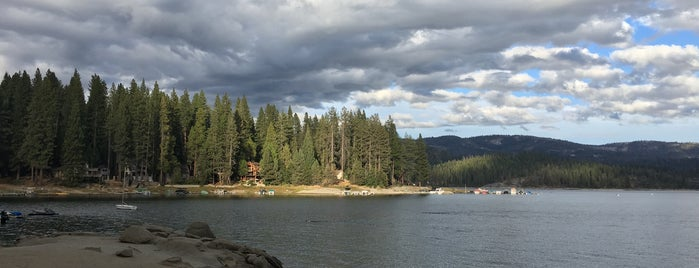 Shaver Lake is one of Posti che sono piaciuti a Dominic.