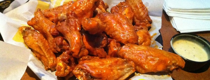 Buffalo Wild Wings is one of Tammy 님이 좋아한 장소.
