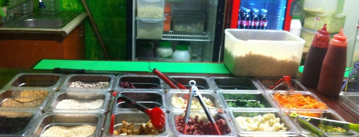Salad Road is one of comida.