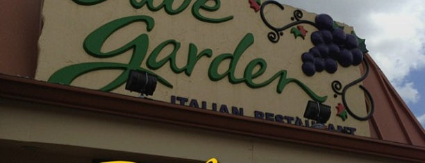 Olive Garden is one of Locais salvos de Rita.