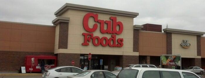 Cub Foods is one of Locais curtidos por Tracy.
