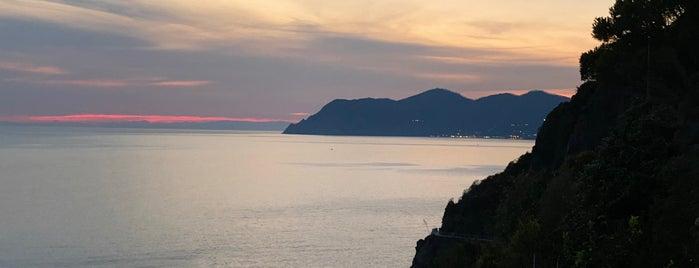 Castello di Riomaggiore is one of Around The World: Europe 4.