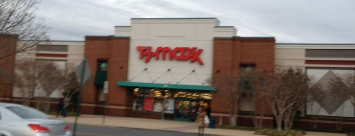 T.J. Maxx is one of Lugares favoritos de Bryan.