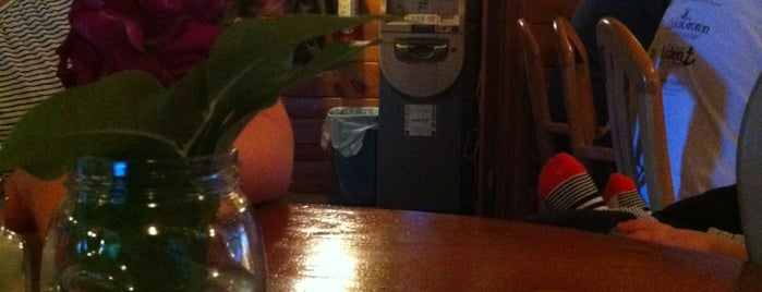 Rustic Cafe is one of Tempat yang Disukai Ashley.