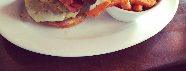 5 Napkin Grill is one of Miami Burgers.