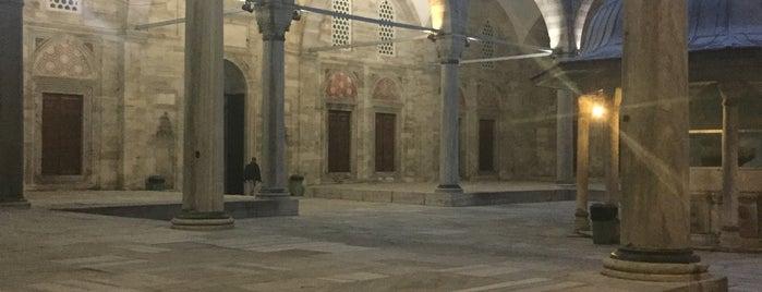 Mezquita de Sehzade is one of Lugares favoritos de Zeynep.