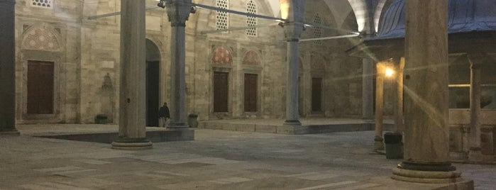 Mosquée Şehzade Mehmet is one of Lieux qui ont plu à Zeynep.