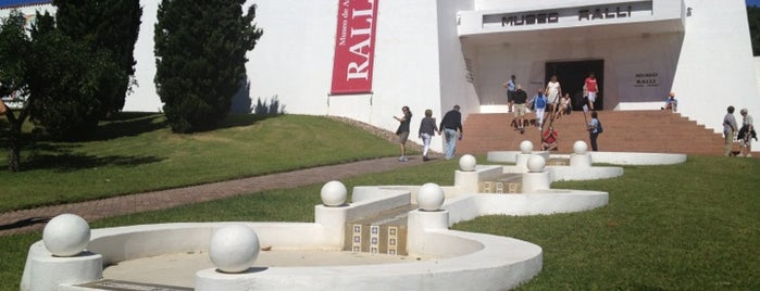 Museo Ralli is one of Uruguay.
