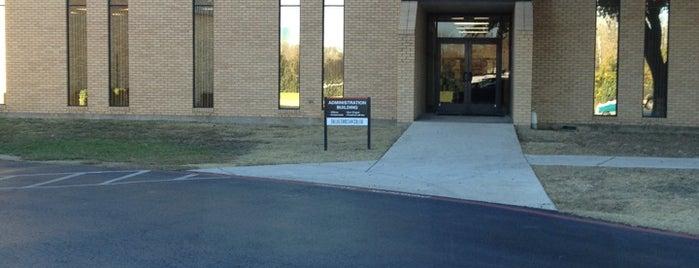 Dallas Christian College is one of Locais curtidos por Amy.
