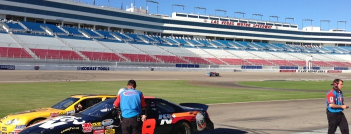 Richard Petty Driving Experience is one of Bucket List for Gearheads.