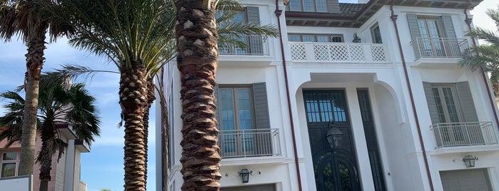 Seaside, FL is one of Tempat yang Disukai Ross.