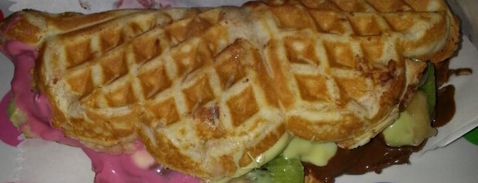 Ab'bas Waffle is one of Locais curtidos por Caner.