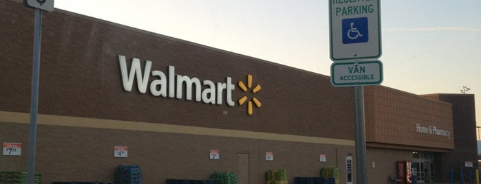 Walmart Supercenter is one of Gespeicherte Orte von Joshua.