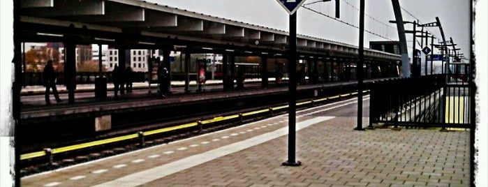 Station Amsterdam Holendrecht is one of Amsterdam.
