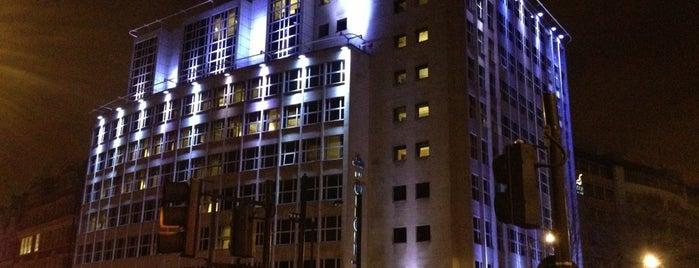 Grange Holborn Hotel is one of Lugares favoritos de Matt.