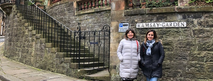 Ramsay Gardens is one of Edinburgh mit Mum.