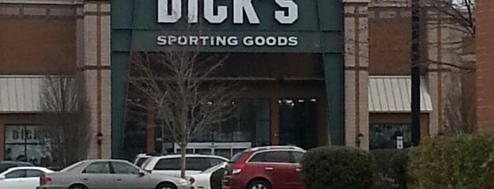 DICK'S Sporting Goods is one of Jasonさんのお気に入りスポット.