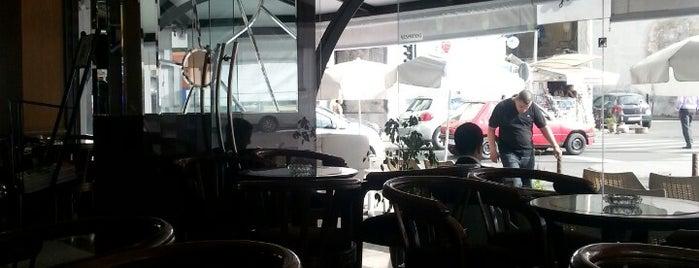 Café Fiori is one of Locais curtidos por TARIK.