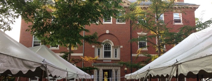Phillips Brooks House at Harvard is one of Lugares guardados de @Hagan.