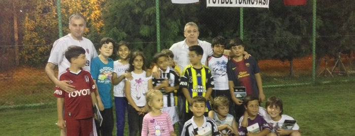 Botaş  Spor Tesisleri is one of สถานที่ที่ Osman ถูกใจ.