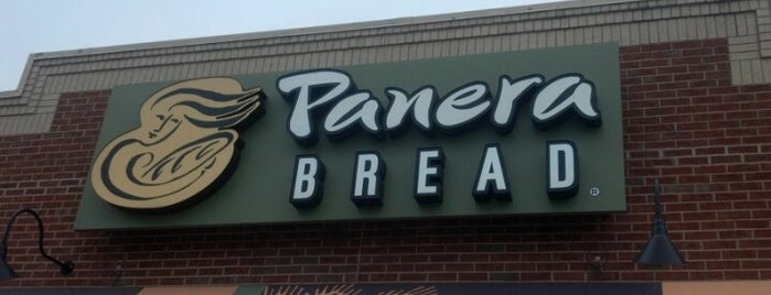 Panera Bread is one of Dives Near Work.