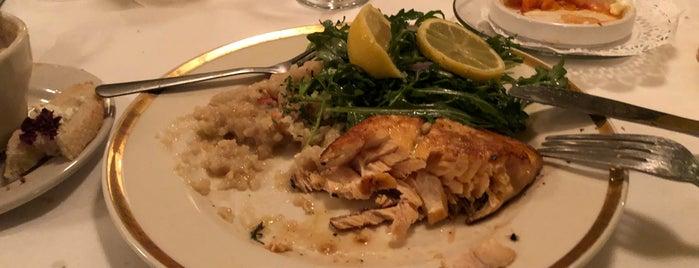 Nino's Restaurant is one of Mary Ellen'in Beğendiği Mekanlar.