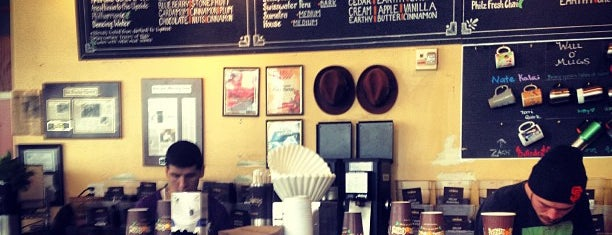 Philz Coffee is one of Tempat yang Disukai Dominic.