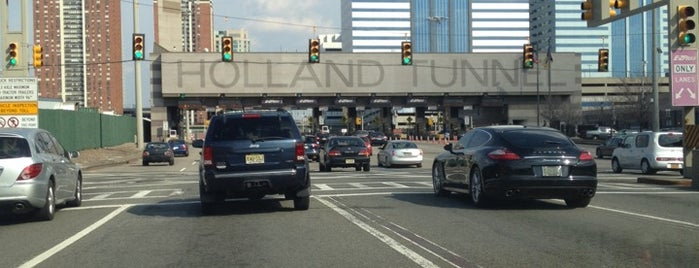 Under The Hudson River Holland Tunnel is one of Tempat yang Disukai Maureen.