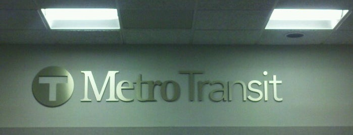 Metro Transit Fred T. Heywood Office Building and Garage - HQ, Lost & Found, Customer Service is one of Locais curtidos por Alan.