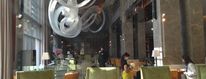 JW Marriott Hotel New Delhi Aerocity is one of Lugares favoritos de Hisham.