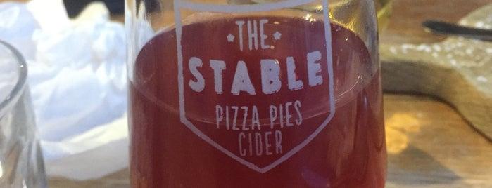 The Stable is one of Orte, die Carl gefallen.